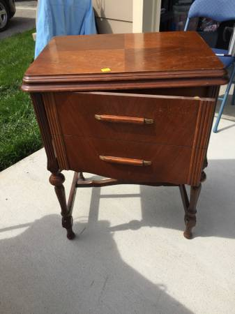 Vintage Sewing Table     $75   This would make a cute nightstand or side table - I actually bought a very similar piece and am turning it into a vanity for our powder room.    View on Craigslist