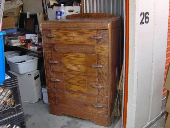 Vintage Dresser     $75     View on Craigslist