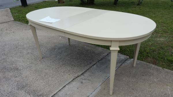 Dining Table     $50     View on Craigslist