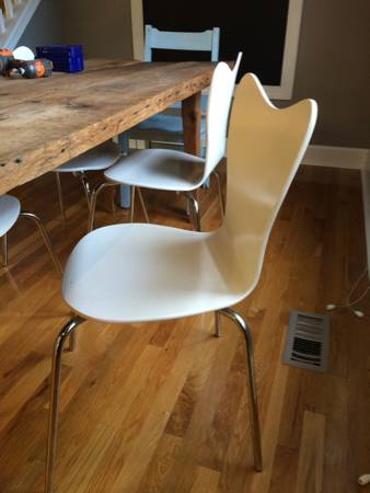West Elm Chairs     $25 each   There are 6 available, $25 each or $125 for all 6.    View on Craigslist