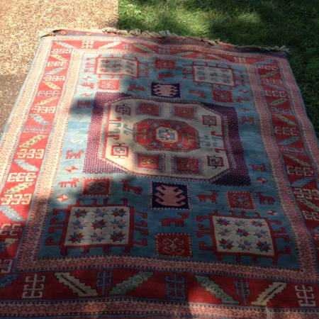 5' x 6' Persian Rug     $150     View on Craigslist