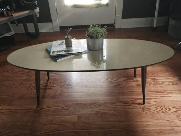 Mid Century Coffee Table     $80     View on Craigslist