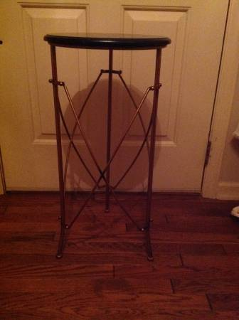Accent Table     $30     View on Craigslist