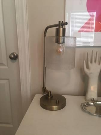 Lamp   $15   View on Craigslist