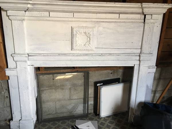Vintage Mantel     $75     View on Craigslist