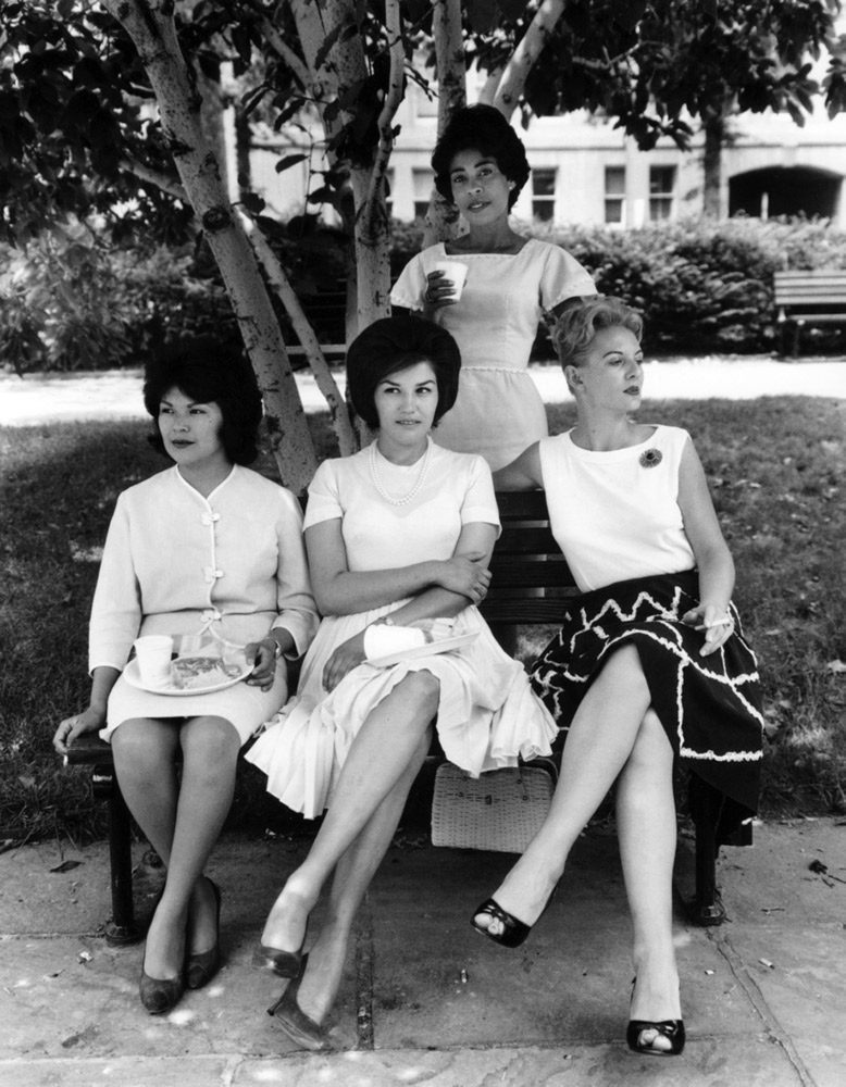 Secretaries in Rawlings Park , Washington, 1965 Silver Gelatin Print 20 x 16 inch