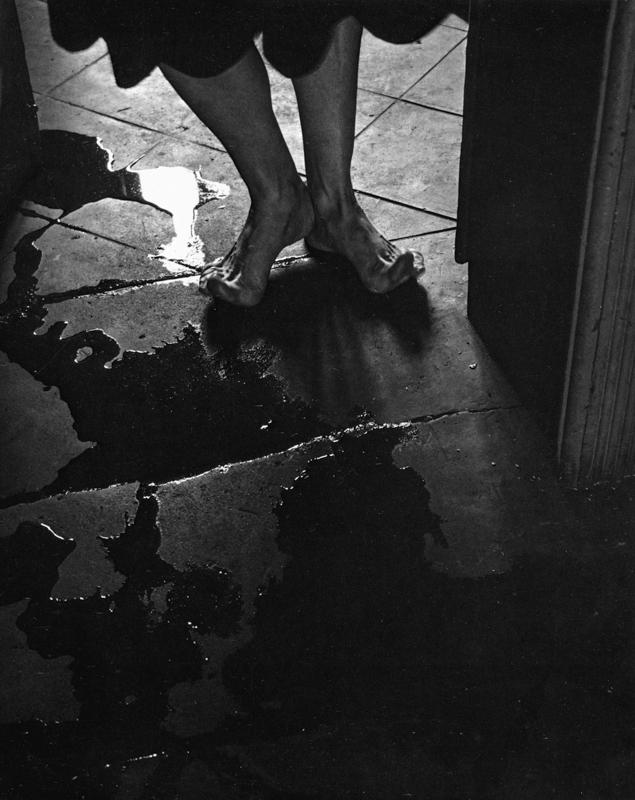 Manuel Alvarez Bravo, El Umbral  [the threshold], 1947