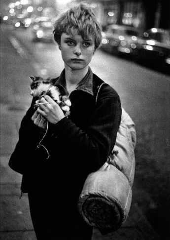 An photo in England, taken by American Bruce Davidson.