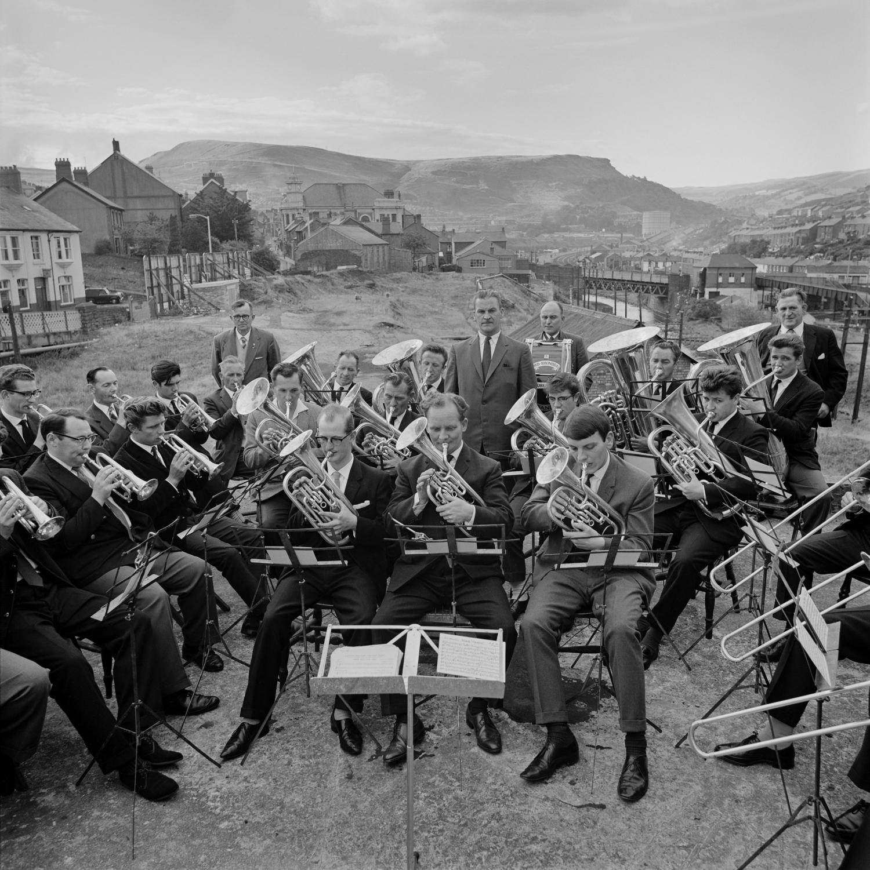 Evelyn Hofer,  Untitled, [Band, Wales] , 1965