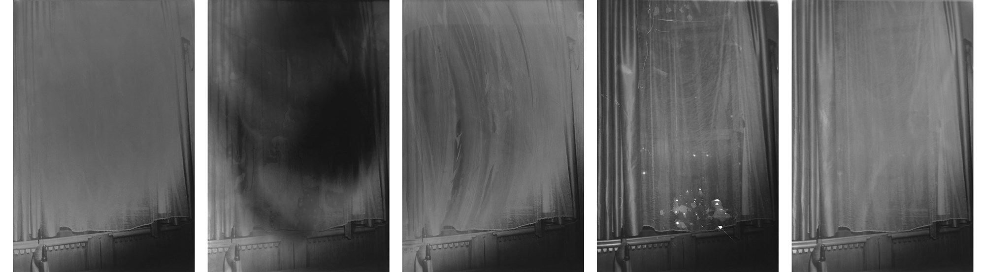 from the series 27.1 / 21.7 / 010 – 014 / 2014© Dirk Braeckman / Courtesy of Zeno X Gallery, Antwerp
