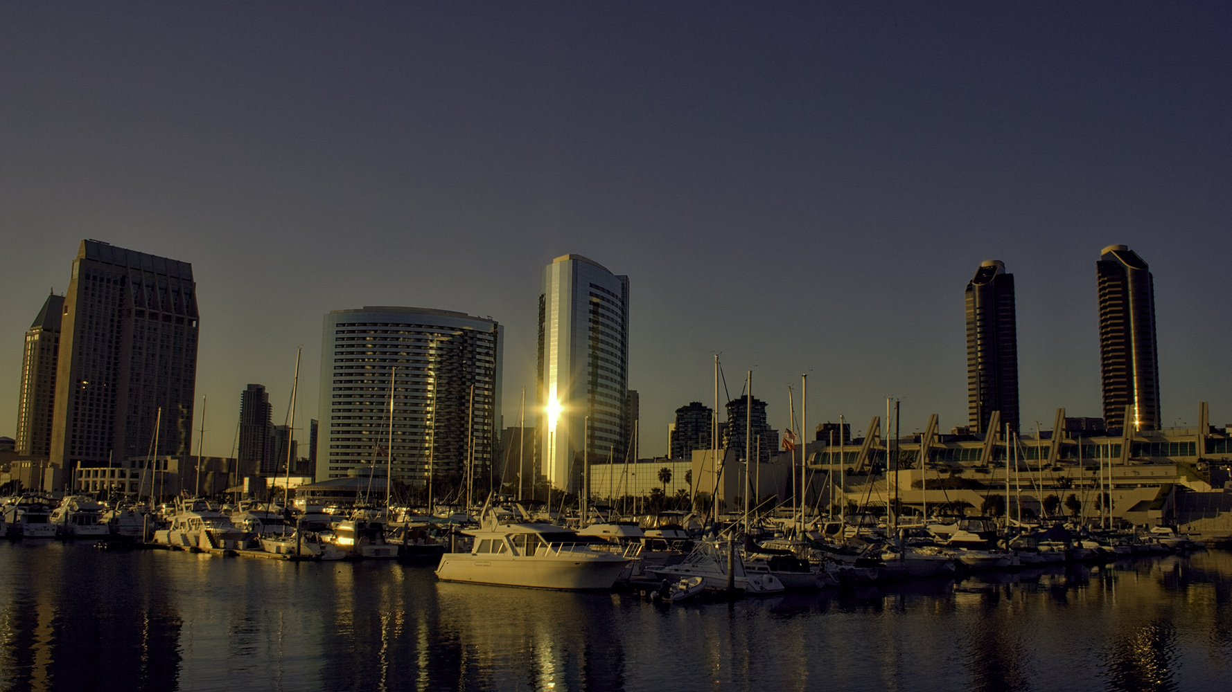 Location and Date: San Diego, California, USA; 11 April 2008  Tech Specs: 1/800s @ f/10.0 18mm @ ISO 200  Camera & Lens: Canon D350; Canon 18-55mm Stock Lens