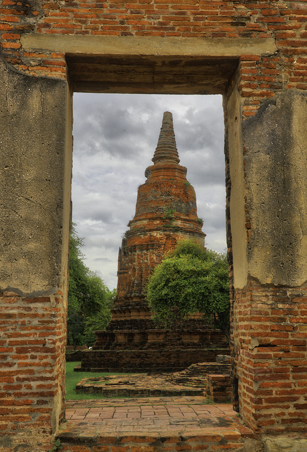 Location and Date: Ayutthaya, Thailand; 25 August 2017  Tech Specs: 44 mm @ f/8.0.  ISO 400.  3 Bracket HDR  Camera & Lens: Canon 5D Mark III; Canon EF 24-70 f/2.8L II USM