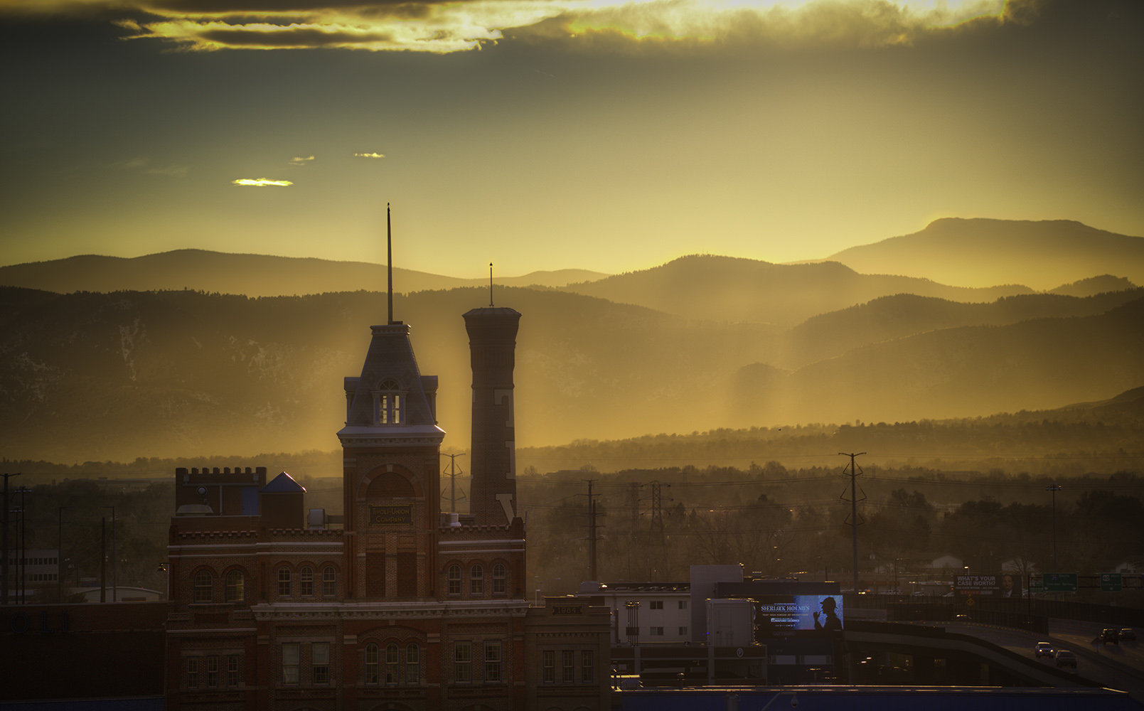 Location and Date: Denver, Colorado, USA; 15 Nov 2015  Tech Specs: 300 mm @ f/8.0; ISO 400.  7 Bracket HDR  Camera @ Lens: Canon 5D Mark III; Canon EF 70-300mm f/4-5.6 IS USM