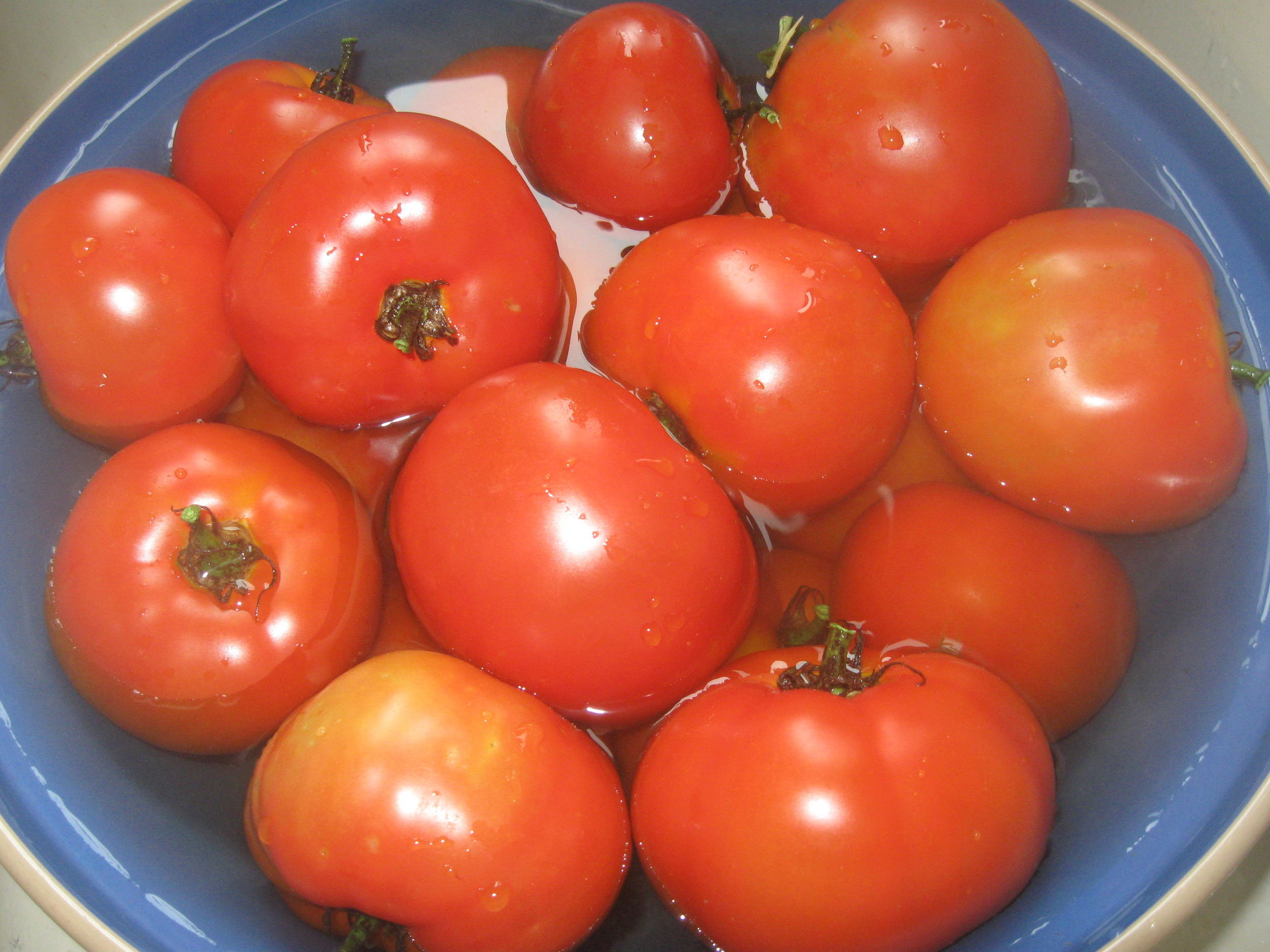 Yummy red tomatoes...