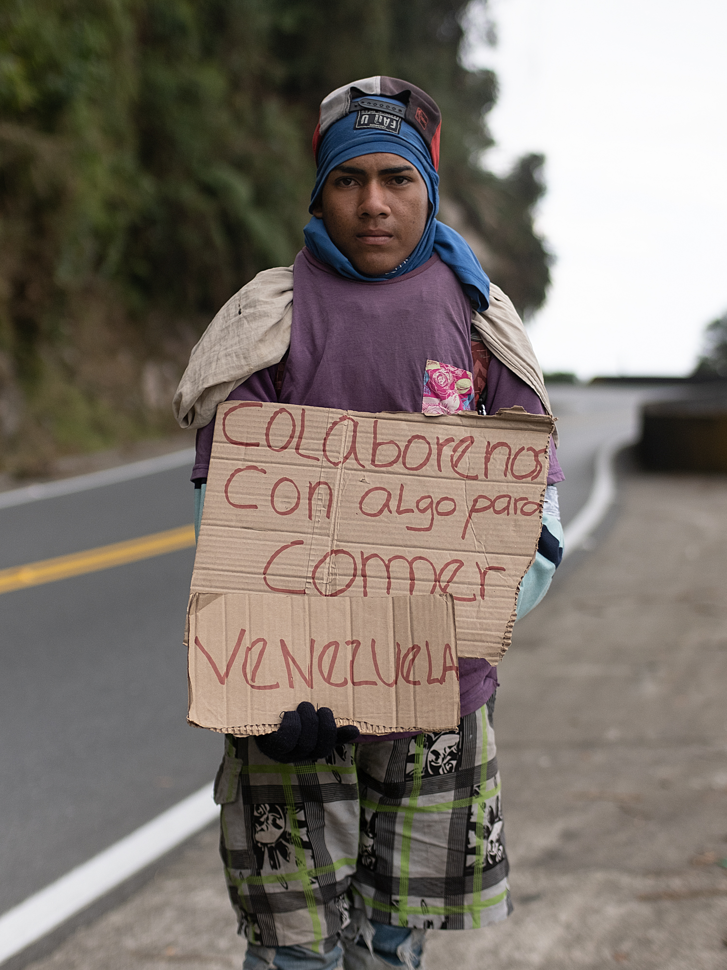 Luiz Diaz (18) is from Valencia is traveling with his older brother to Peru where he hopes to join his cousin. He hopes to make enough money to send to his mother for her medicine.