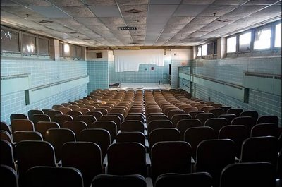 abandoned_theaters2.jpg