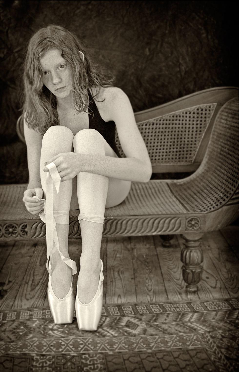 Lauren-tying-shoes.jpg