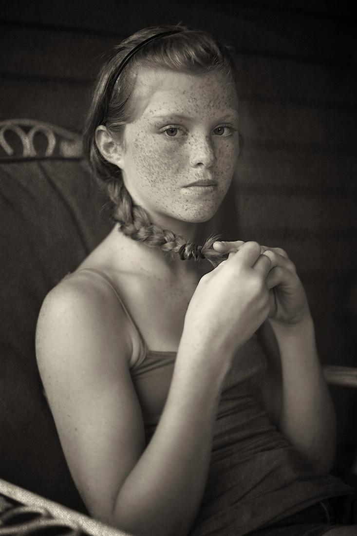 Eilidh holding her braid.jpg
