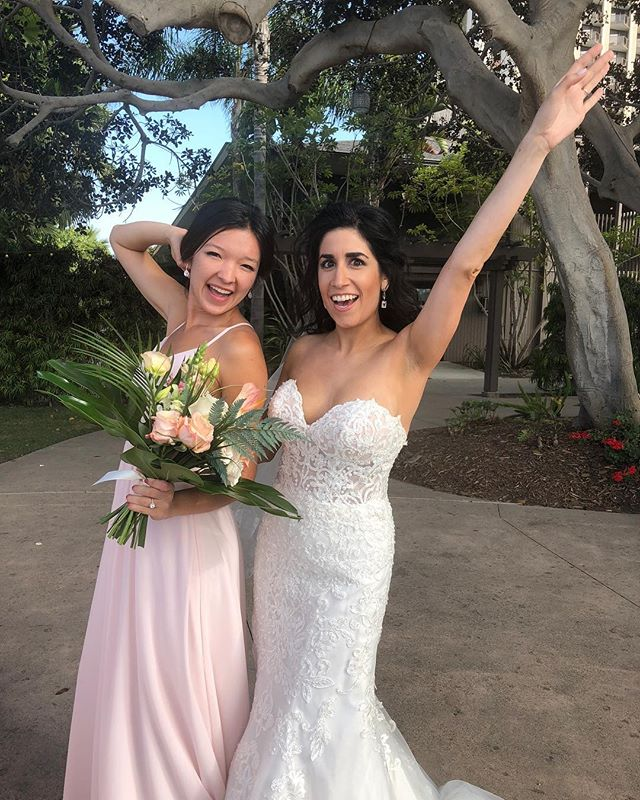 Prost to my neopets bestie! ❤️👰🏻#brookebecomesböll