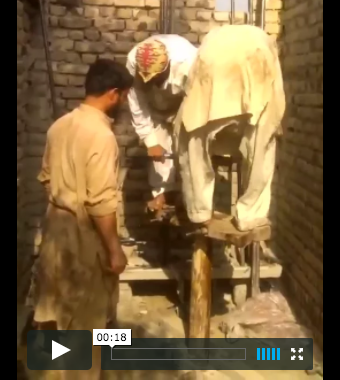 Well-digging in KPK, Pakistan is very manual (Video)