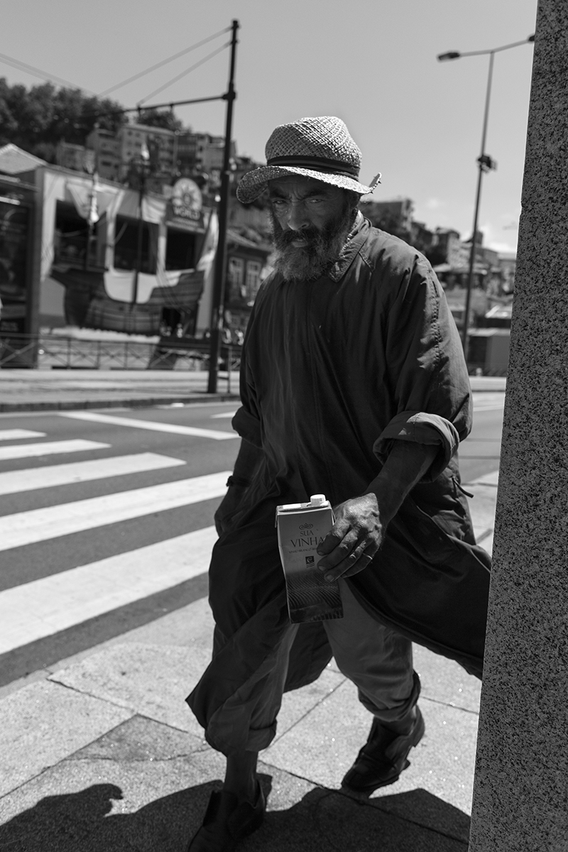 homelessmanporto6.jpg