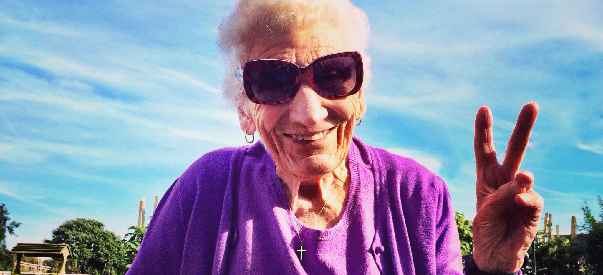 grandma-peace.jpg