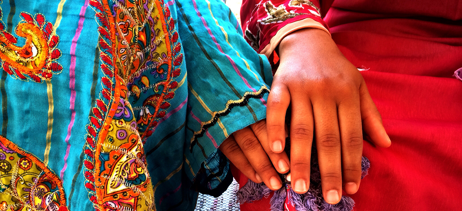 bedouin-women-holding-hands.jpg