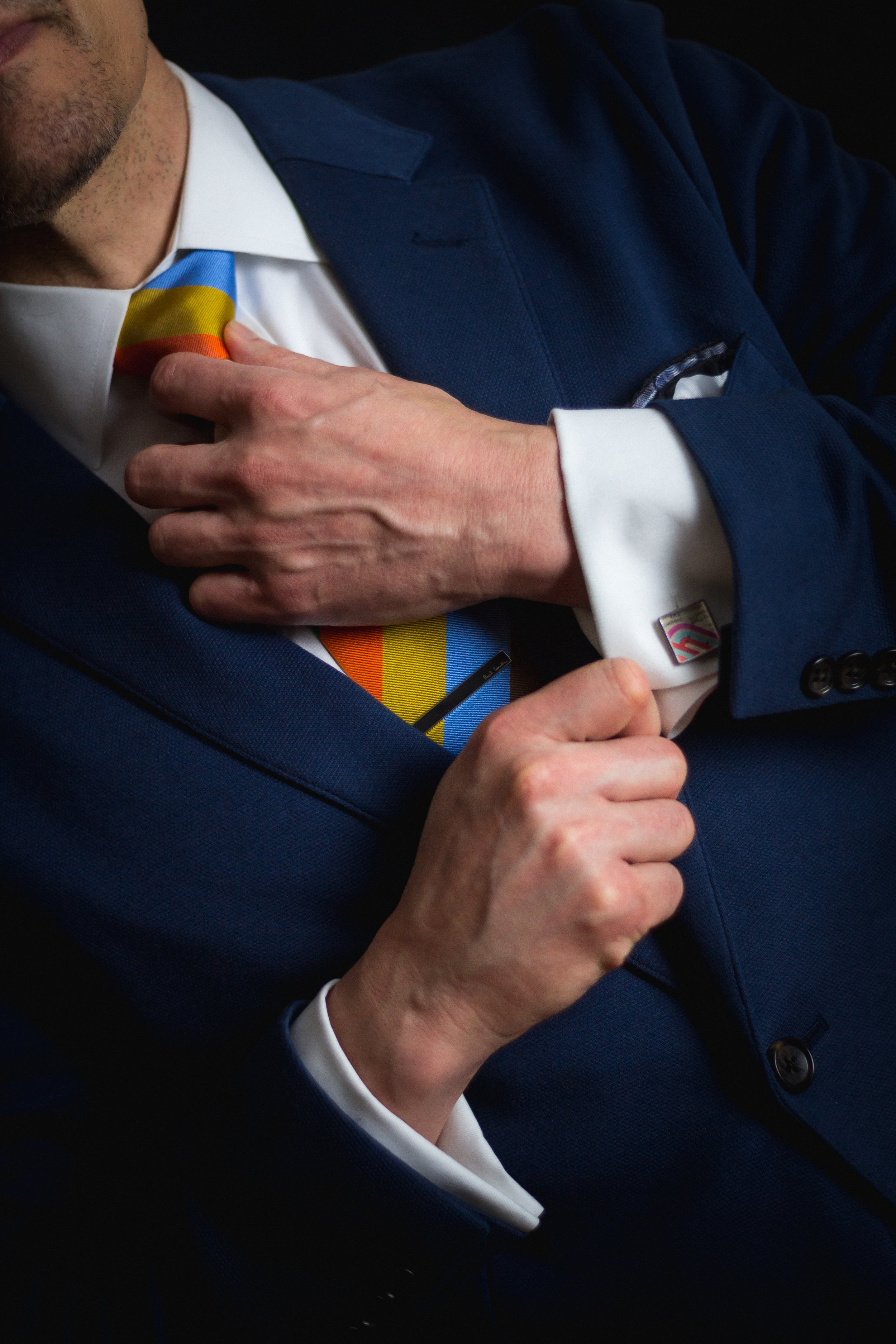 hand tie.jpg