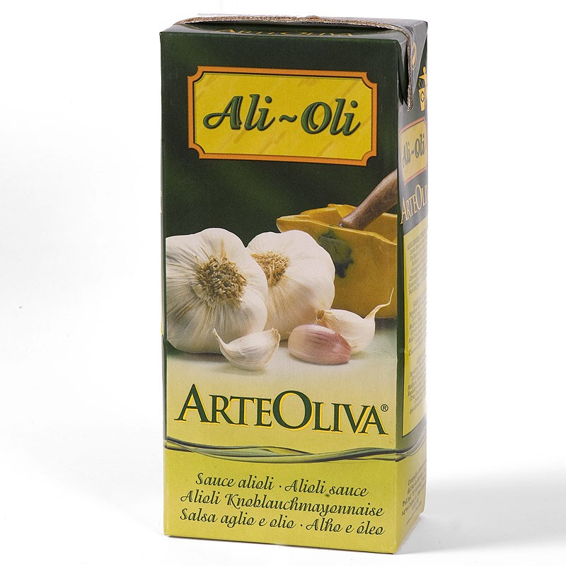 """ArteOliva Ali-Oli 1L    At ArteOliva, and using the best ingredients, we produce and aseptically package our sauces in Tetra Brik. This packaging protects the product from light and air, preventing any alterations in flavour. This format is suitable for consumption in both homes and restaurants, employing the concept of """"open and use"""", and making it easy to always enjoy fresh produce."""