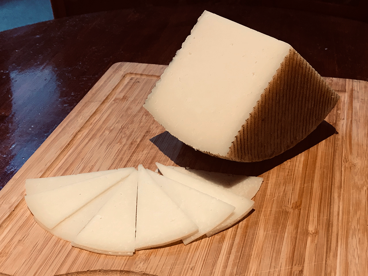 Manchego Style Raw Sheep's Milk Cheese - (3 months)