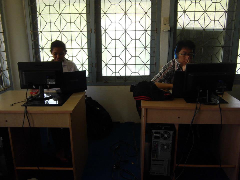 UNDANA UniBRIDGE participants logging on at the on campus computer centre