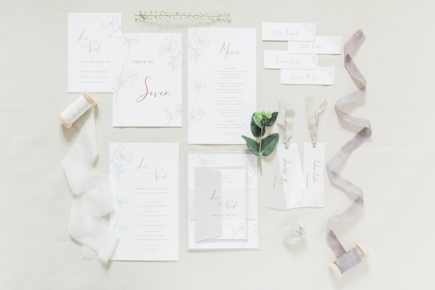 select your suite - Planning your wedding should be an experience to treasure. Allow yourself time to dream a little whilst exploring the collection. Begin by choosing your favourite design and which elements to include in your invitation suite.