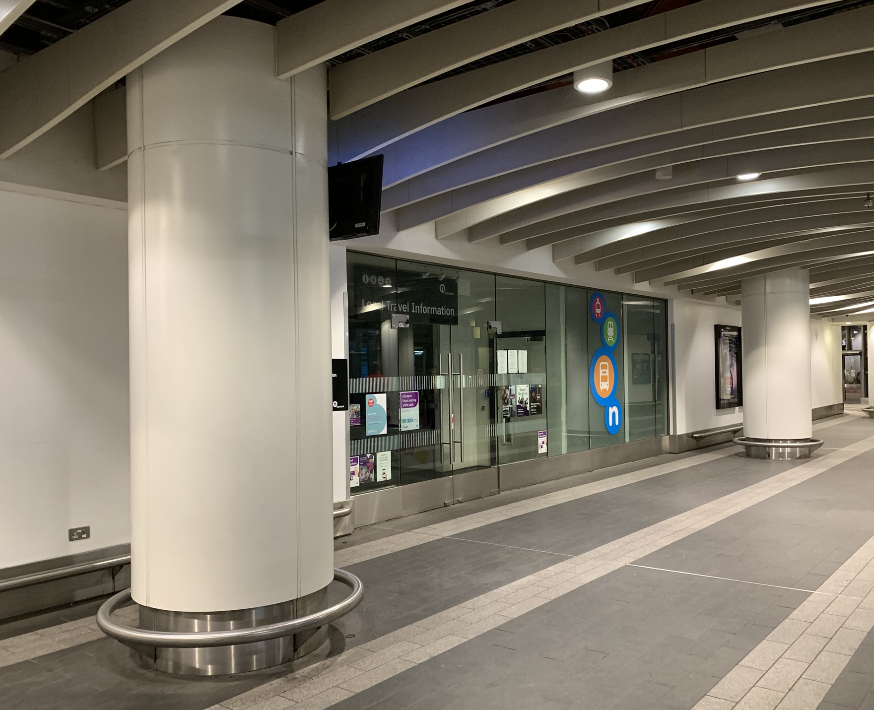 Local Travel Centre, New Street Station