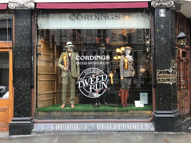 The window at @cordingsofpiccadilly is right up our street. 🚲 #tweedrun2018