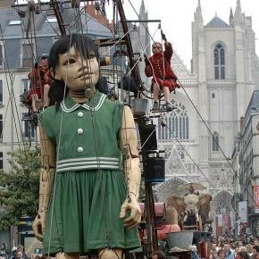 little-girl-giant