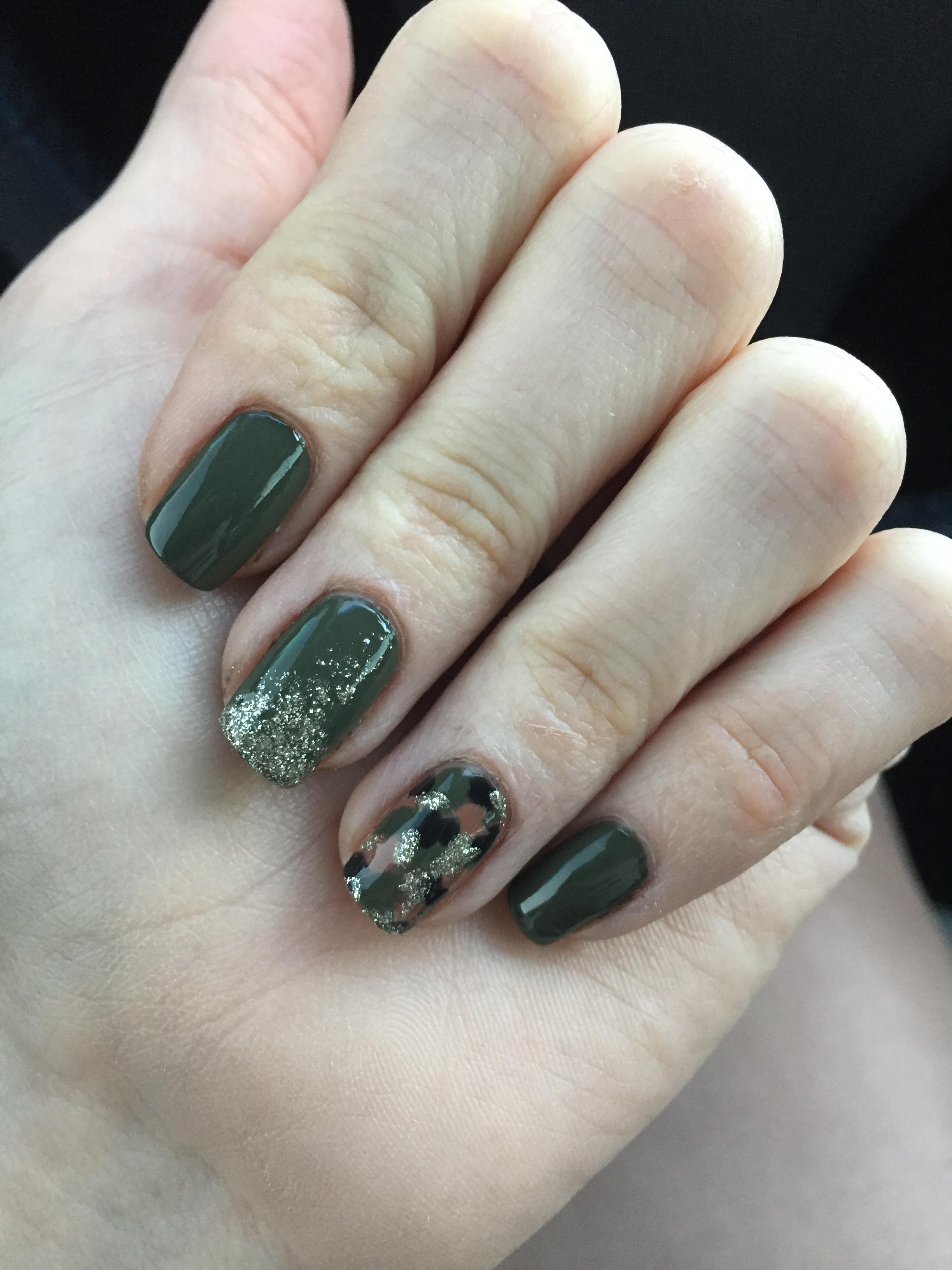 OPI Polish || Suzi - The First Lady of Nails  OPI Glitter || Baroque... But Still Shopping