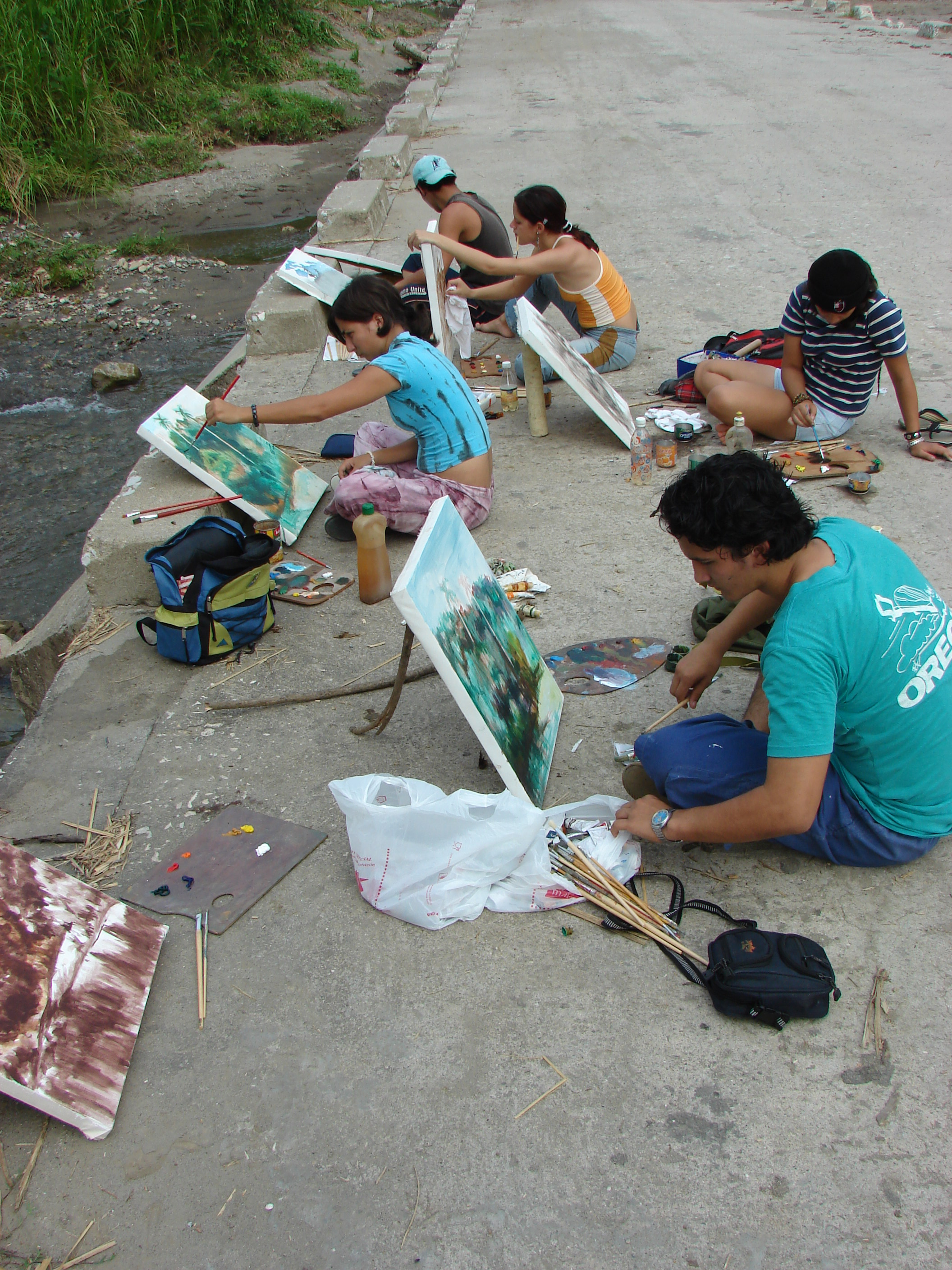 I think this was 2008 (?) not sure rghit now, with a bunch of people from my art school painting landscape from nature! (hope they don't mind the picture XD)