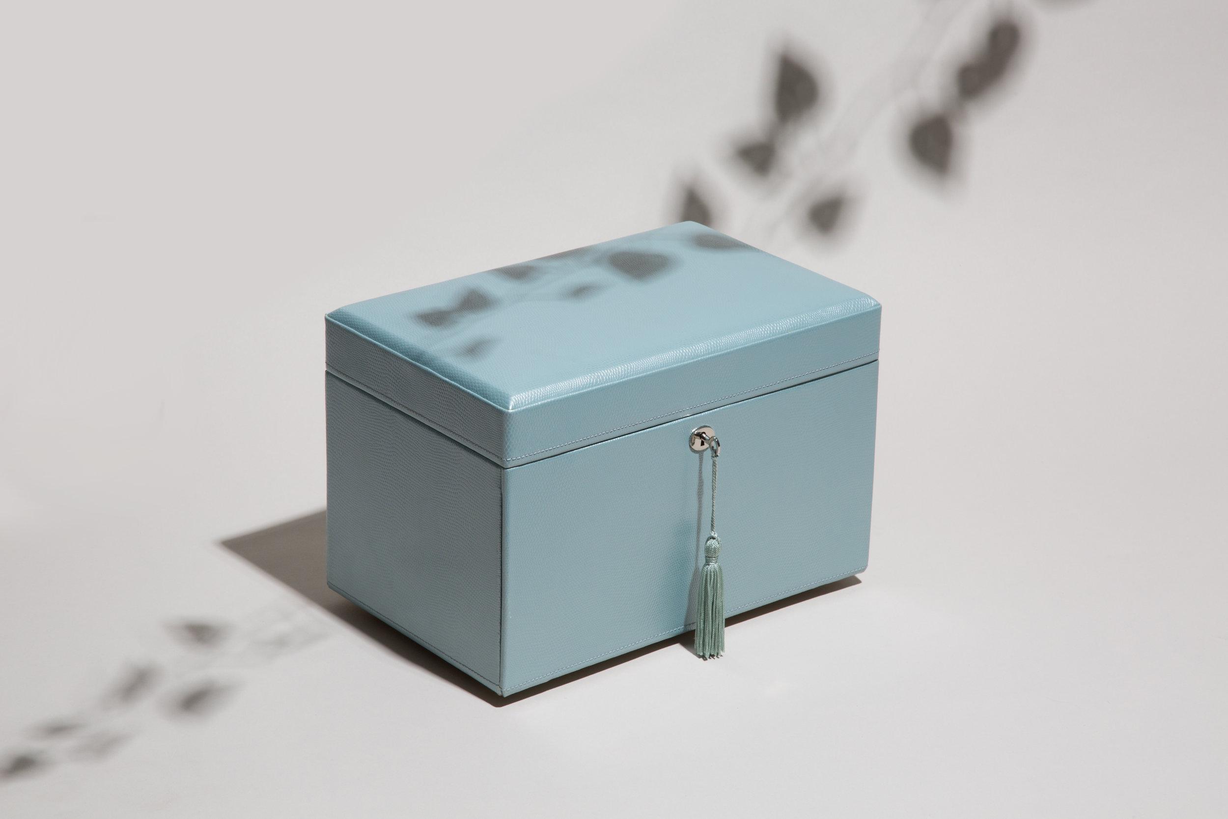 315124_London-Medium-Jewelry-Box.jpg