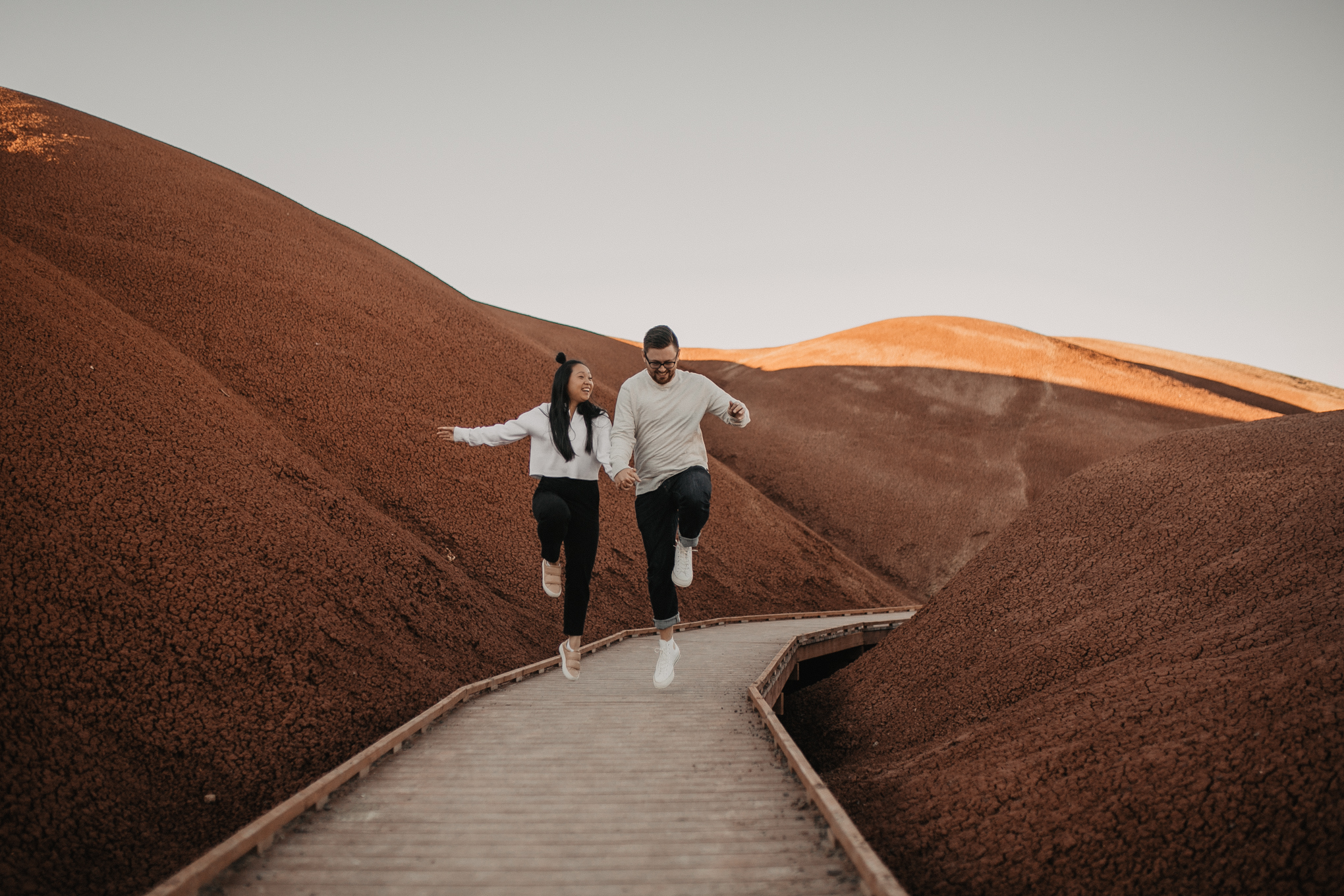painted-hills-oregon-couple-photos-31.jpg