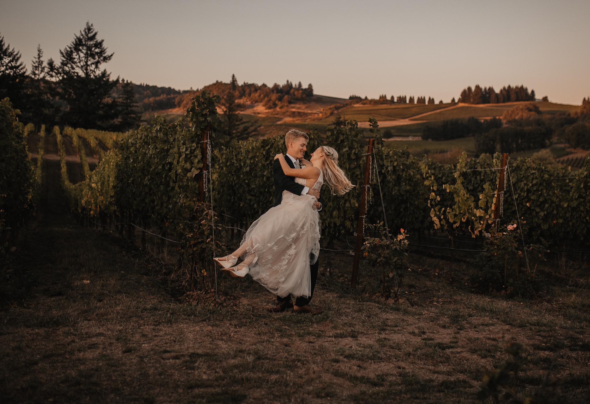 zenith-vineyard-oregon-summer-wedding-847.jpg