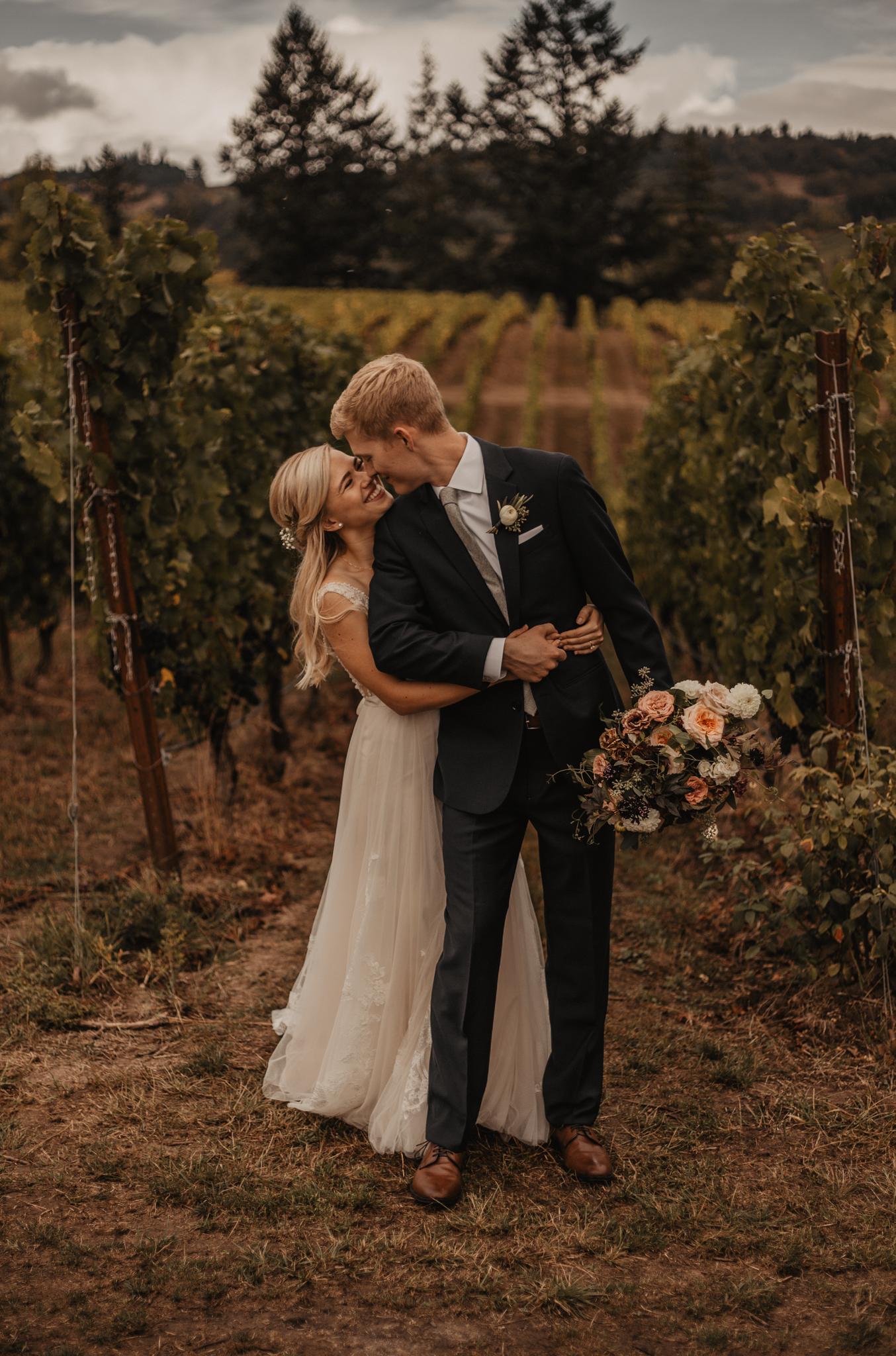 zenith-vineyard-oregon-summer-wedding-270.jpg