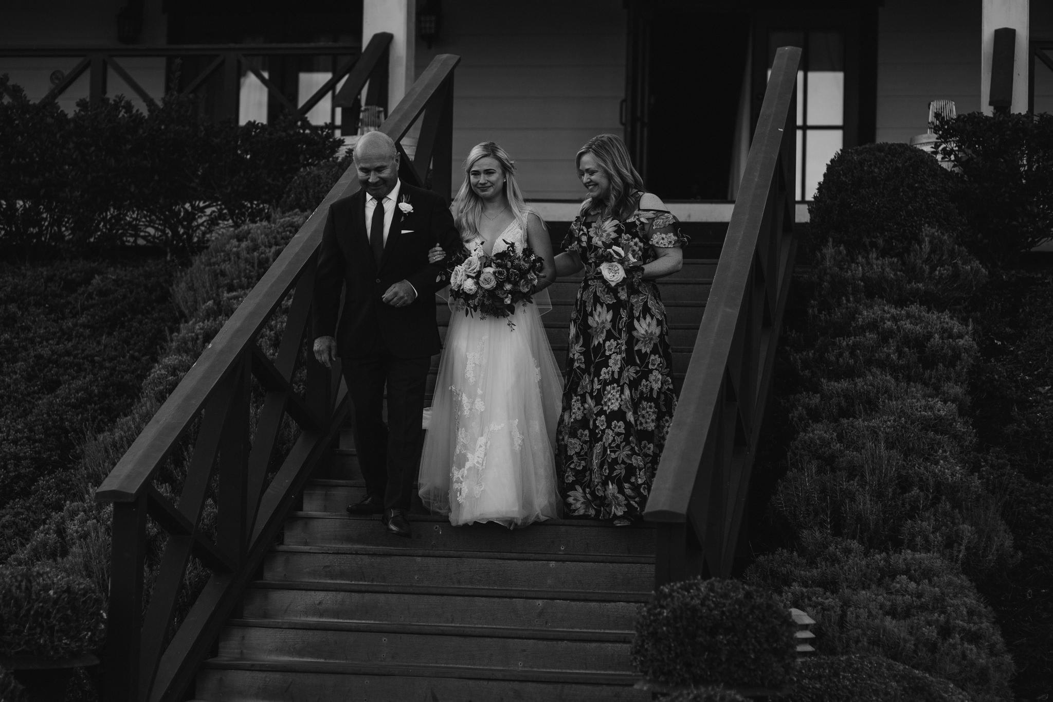 zenith-vineyard-oregon-summer-wedding-678.jpg