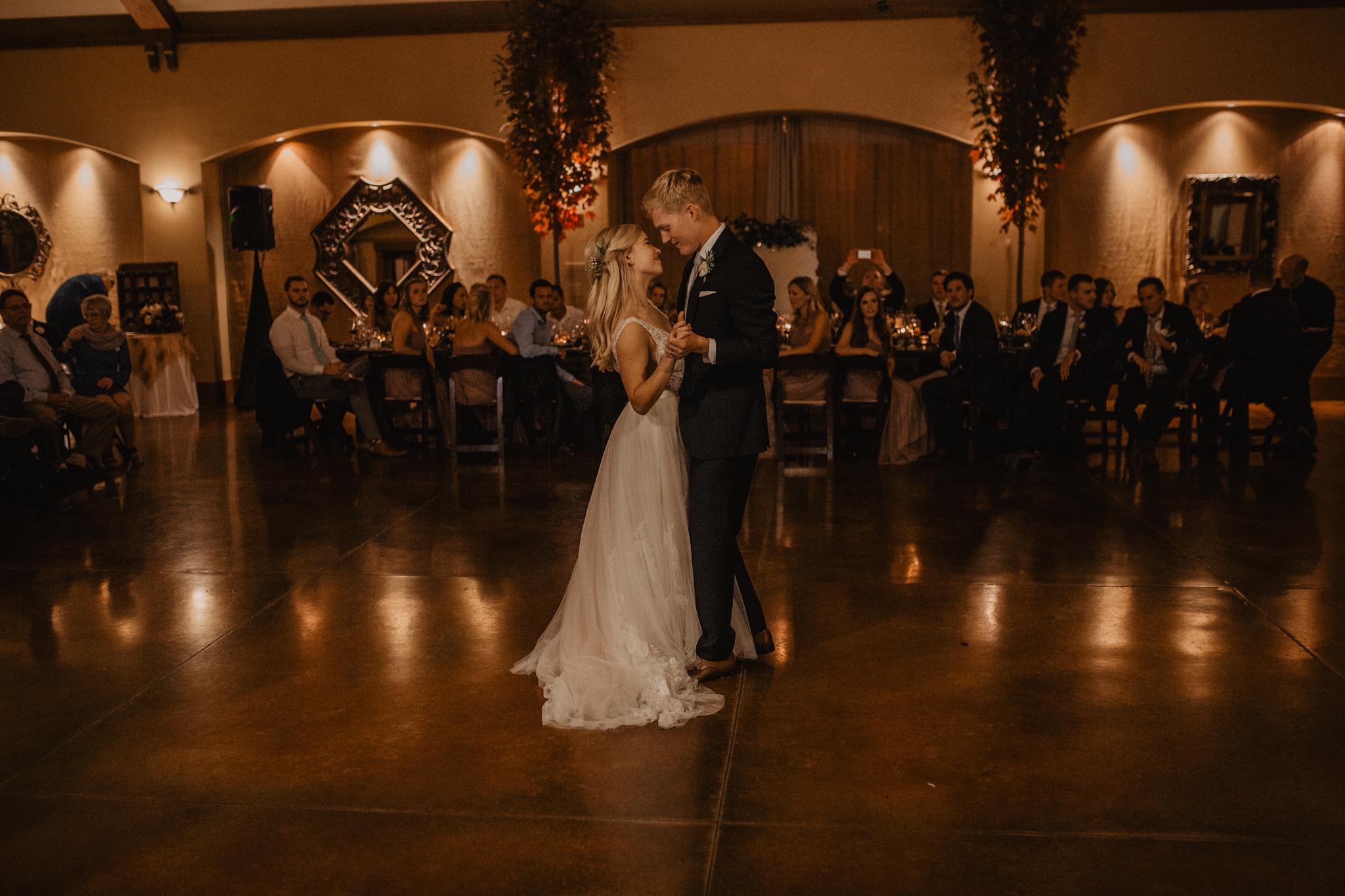 zenith-vineyard-oregon-summer-wedding-985.jpg