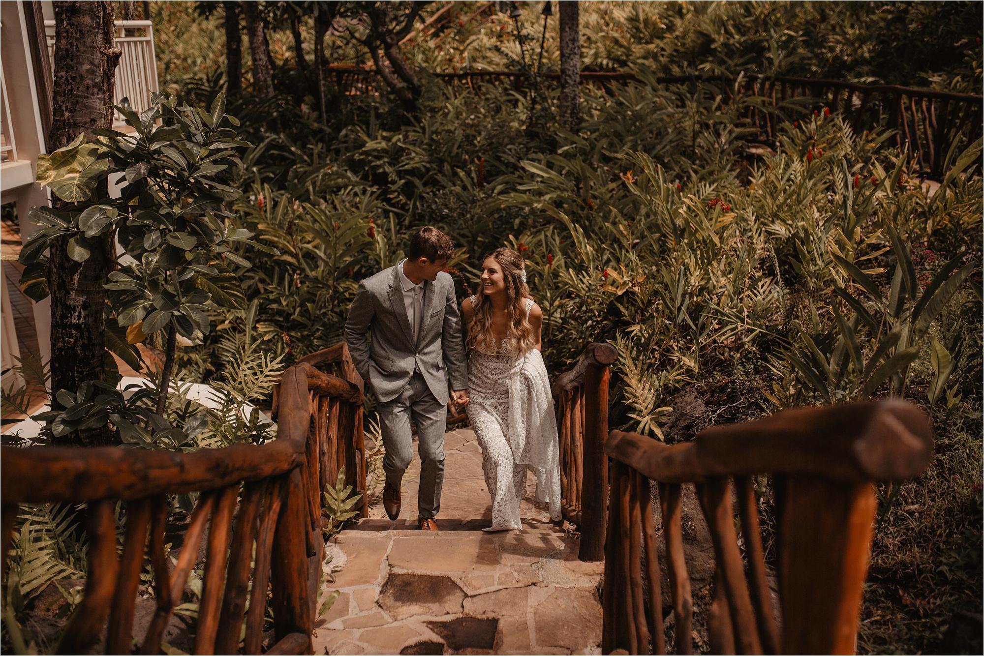maui-hawaii-intimate-tropical-wedding_0021.jpg