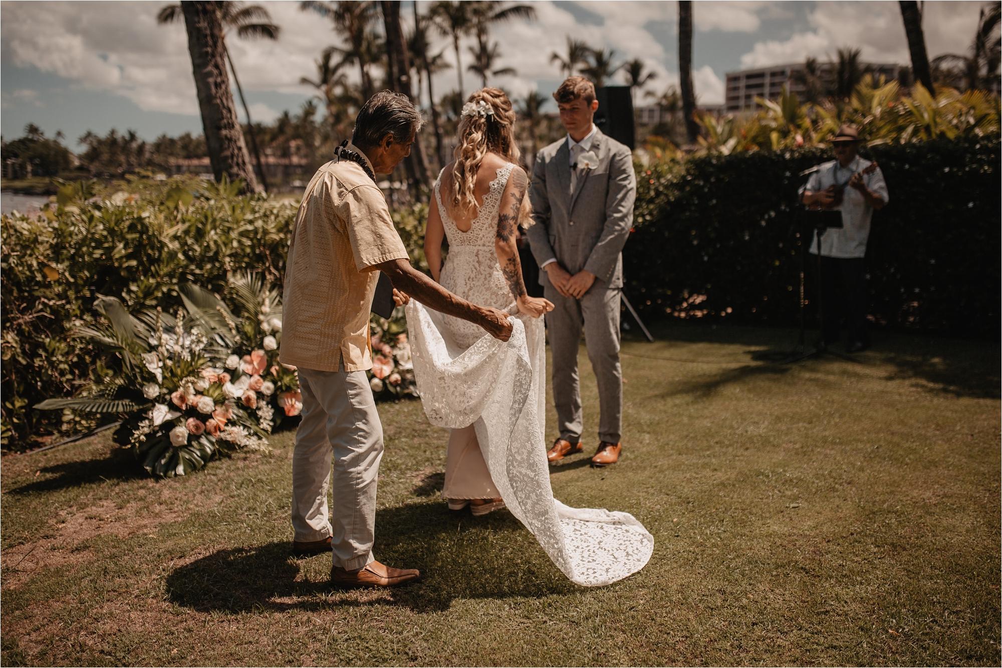 maui-hawaii-intimate-tropical-wedding_0029.jpg