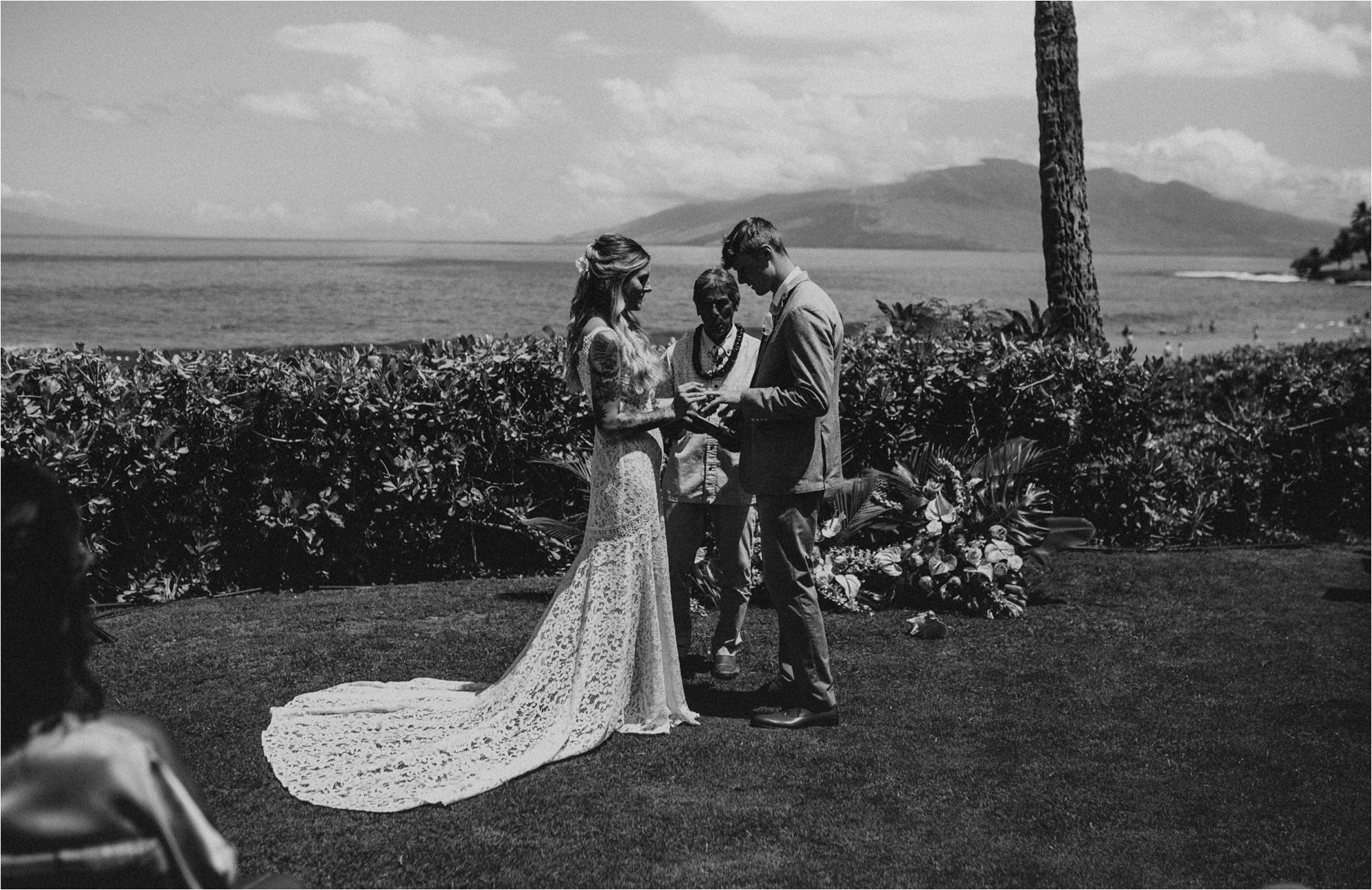 maui-hawaii-intimate-tropical-wedding_0034.jpg