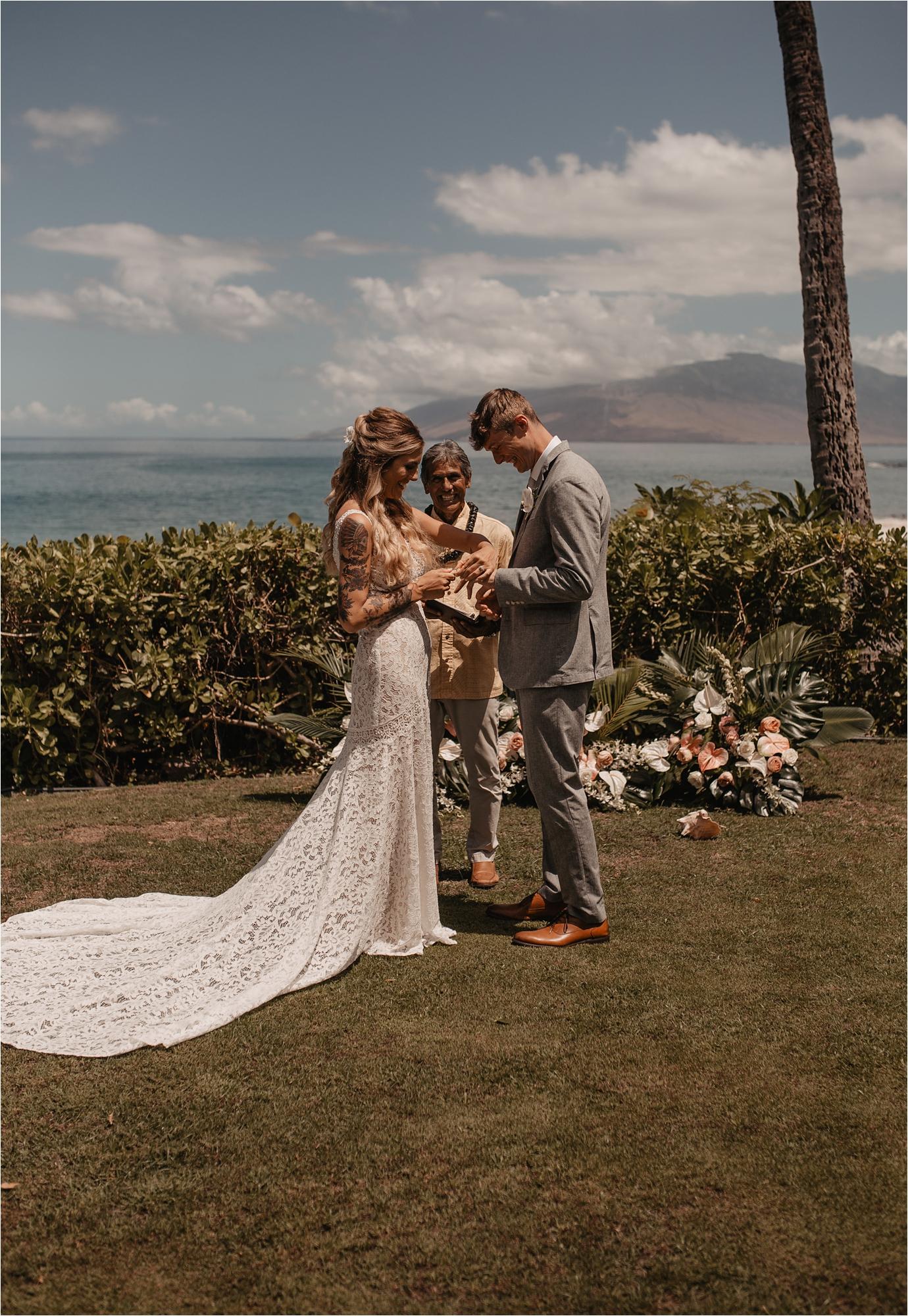 maui-hawaii-intimate-tropical-wedding_0035.jpg