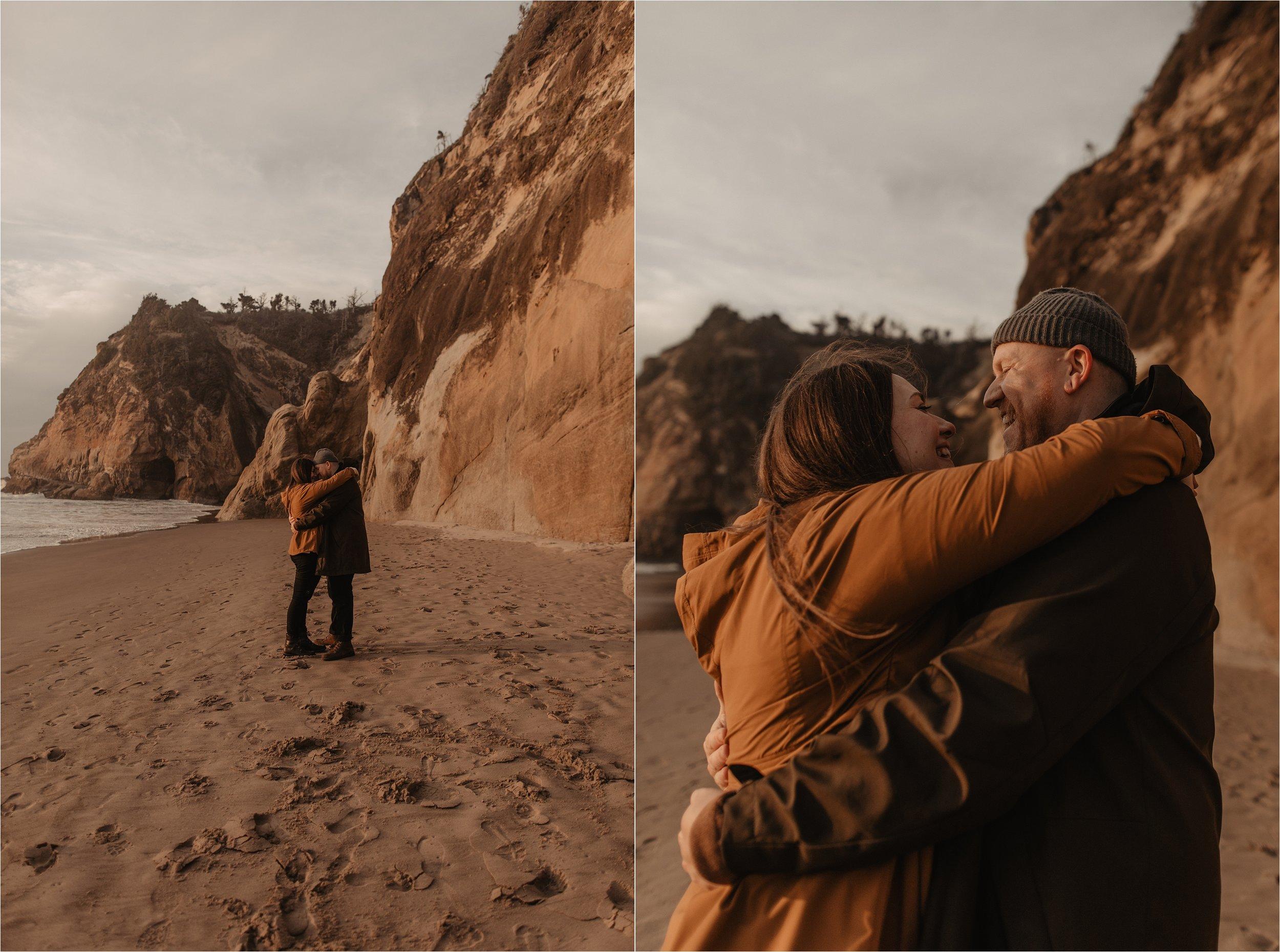 hug-point-oregon-coast-engagement-photos_0040.jpg