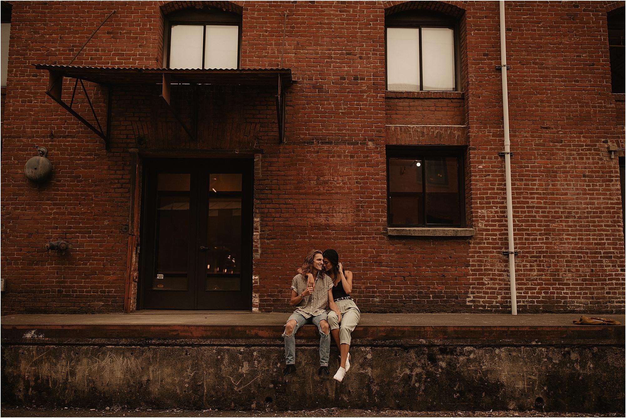 trendy-portland-city-couple-photos_0003.jpg