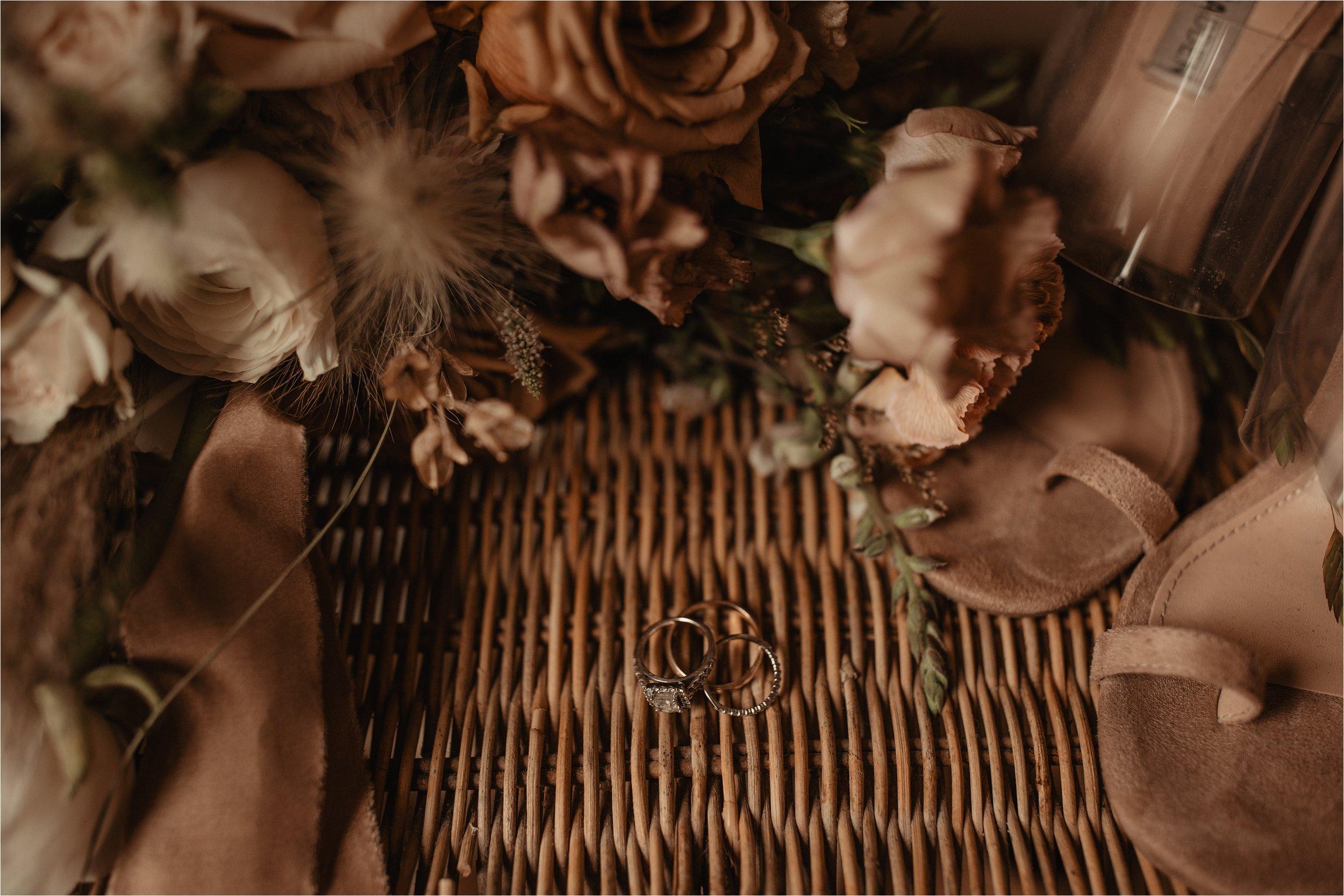 intimate-portland-modern-trendy-wedding_0001.jpg